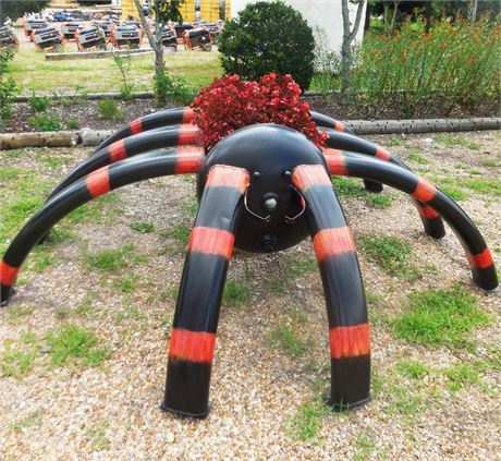 Hand Welded Spider Planter